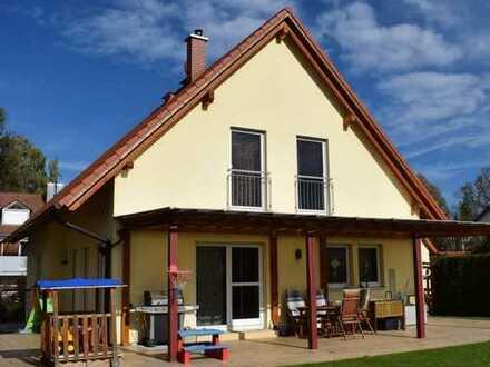 Seltene Gelegenheit! Freistehendes Einfamilienhaus mit herrlich großem Grundstück in Fahrenzhausen