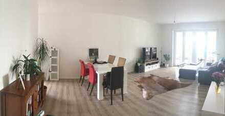 Zur Zwischenmiete: Großzügig geschnittene 110 qm Wohnung in der Hafencity mit Blick über Hamburg