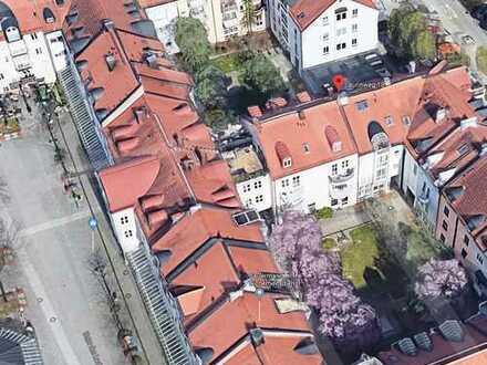 Ottobrunn: Geniale Dachterrassenwohnung im Zentrum - Bezugsfrei !