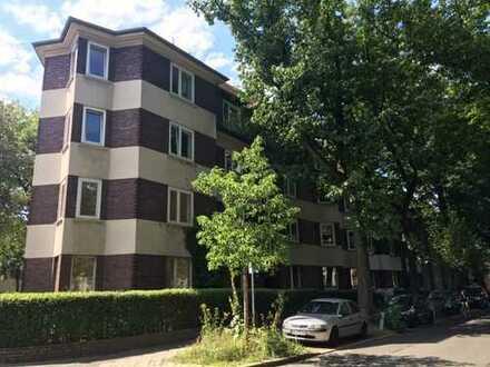 Frisch renovierte Erdgeschosswohnung mit Echt-Holz-Dielen in BO-Ehrenfeld!