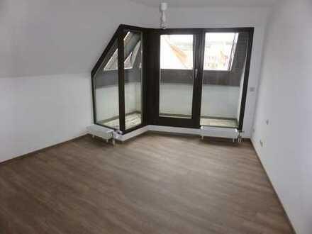 Vollständig renovierte 4-Zimmer-Maisonette-Wohnung mit Balkon und EBK in Heimsheim