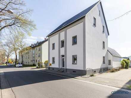 Kernsaniertes Mehrfamilienhaus in bester Wohnlage plus Baugrundstück in Leverkusen Bürrig!