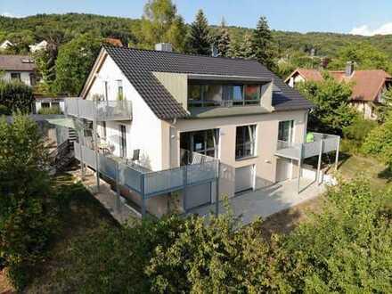 Vollständig renovierte 3-Zimmer-Maisonette-Wohnung mit Balkon in Hirschaid