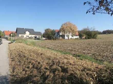 Baugrundstück in herrlicher Ortsrandlage nur ca. 15 Autominuten nördl. v. Landshut