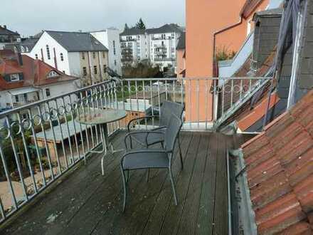 Im Herzen Bad Nauheims ~ Wohnen mit Charme und Jugendstil ~ Mit Dachterrasse ~~ Ideal für Pendler ~