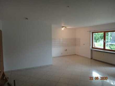 Einliegerwohnung 50m² 2 Zimmer - Flur - Bad - Terasse - Stellplatz