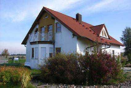 Schönes Einfamilienhaus zu vermieten mit Einliegerwohnung