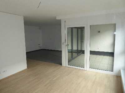 Großzügige, barrierefreie, neuwertige 3-Zimmer-Wohnung mit Loggia in Erlangen
