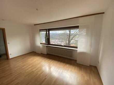 2,5-Zi.-Whg 76 qm mit Terrasse, EBK und schönem Ausblick in Enzberg