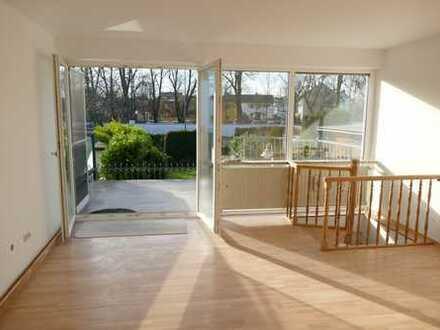 F-Nord: Renovierte 2,5-Zimmer-Maisonette-Wohnung in gepflegtem Haus in F-Harheim mit Terrasse