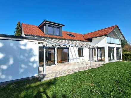Zweifamilienhaus - modern - stilvoll - gelungen!