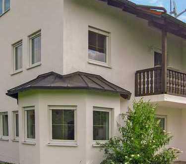 Herrliche DHH mit 5 Zimmern, EBK, Balkon, Terrasse und Garten mit Weitblick