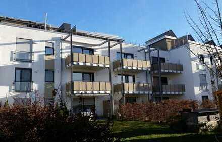 Neuwertige 4-Zimmer-Penthouse-Maisonette-Wohnung mit Balkon u. Dachterrasse bei München