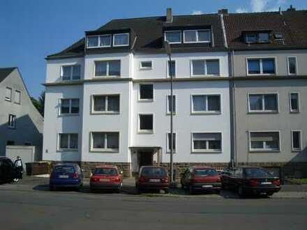 10 Fam. Privathaus ( 6 Eigentumswohnungen )