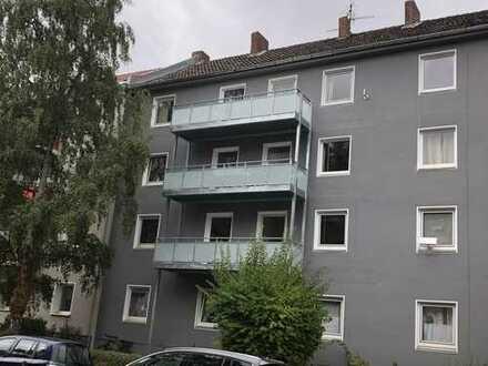 Helle Wohnung mit Balkon und Wohn-Küche in Hannover