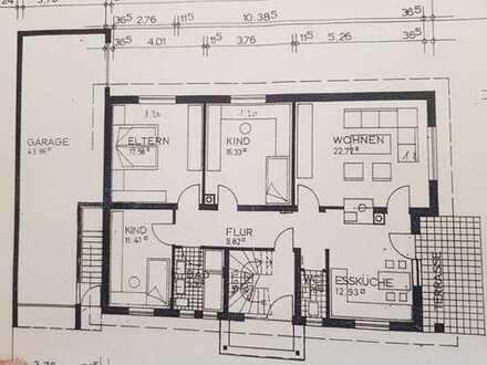 Gepflegte 4-Zimmer-EG-Wohnung mit Terrasse, Garten, EBK, großer Garage und Stellplatz in Illertissen