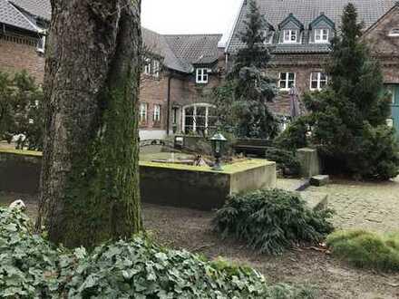 Porz-Urbach, Einfamilienhaus in denkmalgeschützter Hofanlage