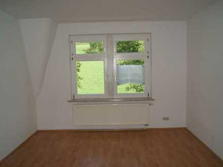+++EINZUGBEREIT+++ 3 Zimmer - Dachgeschoßwohnung in ruhiger und grüner Lage
