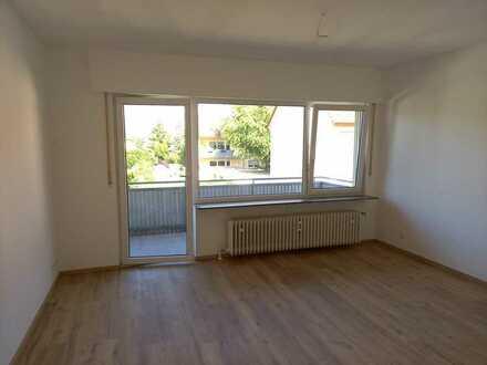 Erstbezug nach Sanierung mit Balkon: attraktive 2-Zimmer-Wohnung in Eppelheim