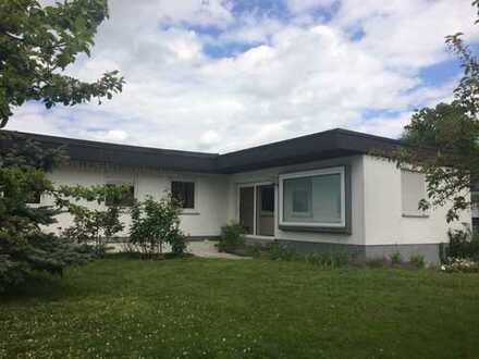 Traumhafter Winkelbungalow in ruhiger Lage