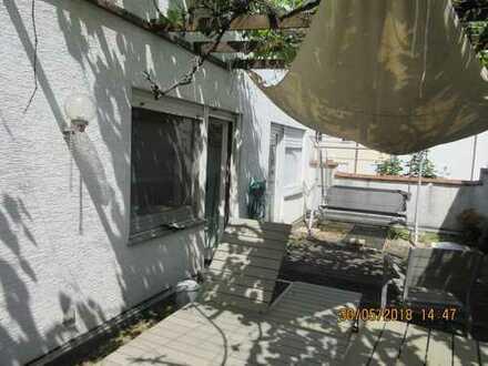 Freundliche 3-Zimmer-Maisonette-Wohnung mit Balkon und EBK in Rodgau Jügesheim