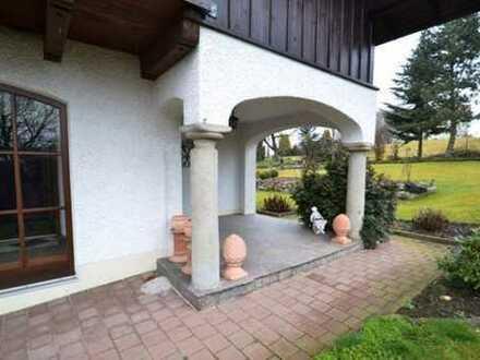 Herrschaftliches Landhaus mit wohnlichem Charme!
