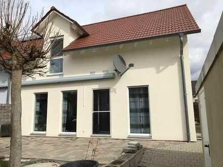 Schönes Haus mit fünf Zimmern in Dingolfing-Landau (Kreis), Pilsting