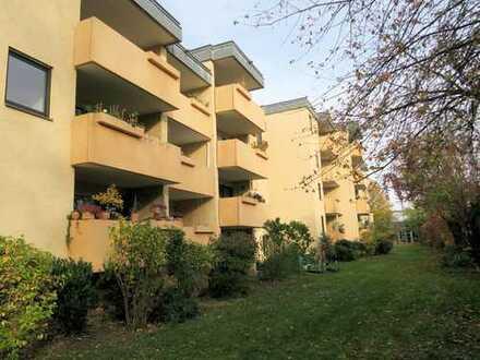 Ruhige 1-Zimmer-Wohnung mit Südbalkon und Küchenzeile in R-West