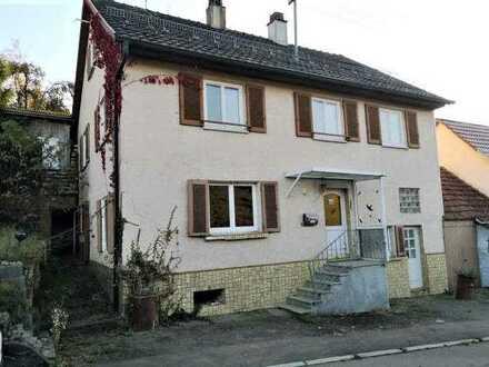 Freistehendes, sanierungsbedürftiges Einfamilienhaus! Ideal für den Handwerker oder Hobbybastler!