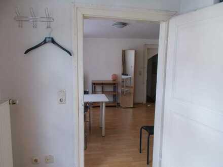 WG: Mitten in der City! 2 möblierte Zimmer für Künstler oder Musiker