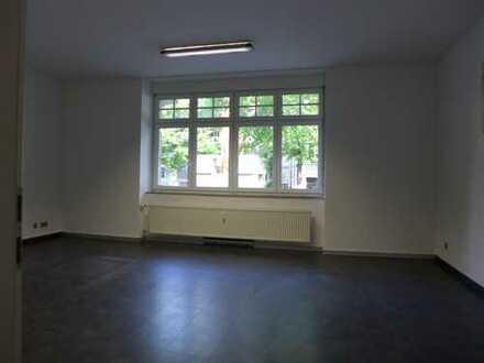 repräsentatives Büro Praxis + Parkplätze / Springerstraße Ecke Gohliser Straße / 6 Zimmer + Empfang