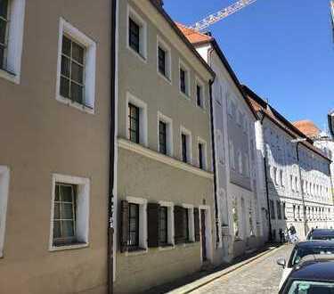 Stilvolle, gepflegte 3-Zimmer-Wohnung mit EBK in Regensburg - Ideal für Studenten WG