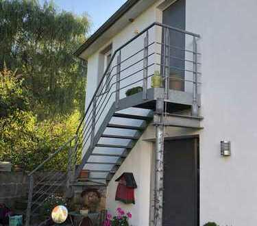 Gepflegte Maisonette-Wohnung mit Balkon und EBK in Waldenbuch