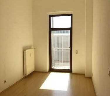 Schöne 2-Zimmer-Wohnung, Balkon, Aufzug - nah am Zentrum!