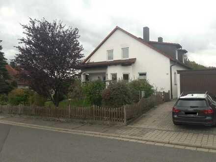 Gepflegte Doppelhaushälfte in Röttenbach