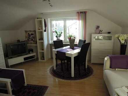 2 Zimmer Wohnung zentral mit Küche, Freisitz, Stellplatz