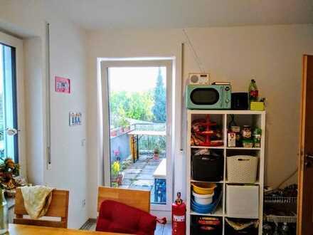 Möbliertes 25 m² Zimmer in 3-WG sehr Zentral 375€ WARM