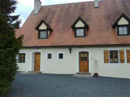 Gepflegte 3-Zimmer-Wohnung mit EBK in Illschwang