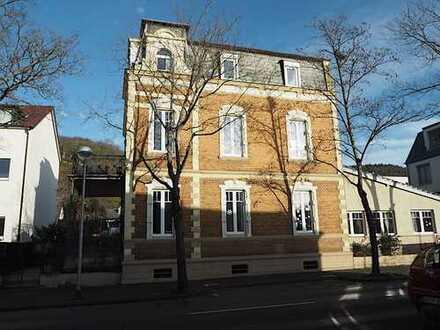 *Schöne Dachgeschosswohnung in Altbauvilla mit Drachenfelsblick*