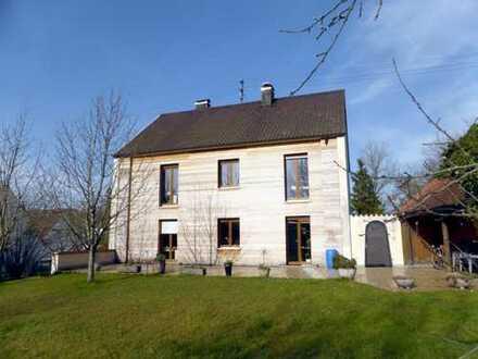 Hochwertiges 2-Familienhaus mit Ausbaureserve und Baugrundstück in Dinkelscherben