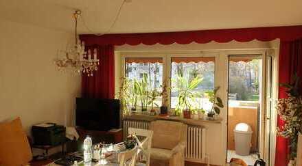 Helle, lichtdurchflutete 3-Zimmer-Wohnung mit Balkon in Augsburg