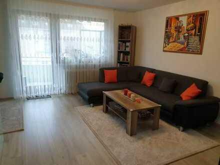 Moderne und gut geschnittene helle 2,5 Zimmer Wohnung