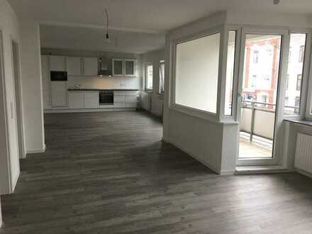 Zentrale 75m² Wohnung. Kompl. renoviert