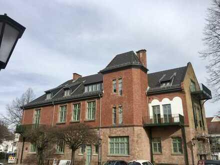 Erstbezug nach Sanierung: stilvolle 2,5-Zimmer mit Balkon und neuer Küche in Hanau-Großauheim