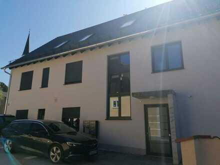 Hochwertige 3-Zimmer-DG-Wohnung mit Süd-Balkon in Niedrigenergiehaus
