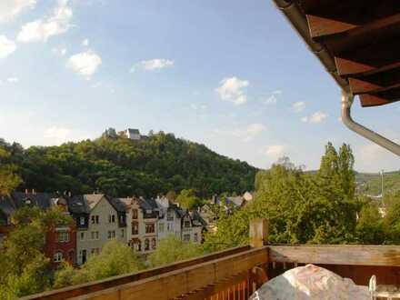 +++ sonnig, stadtnah und Blick auf die Nahe , Wohnung im 1. OG +++