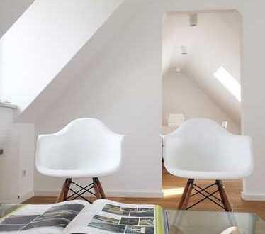Lichtdurchflutetes, architektonisch anspruchsvolles Büro mit Designermöbeln