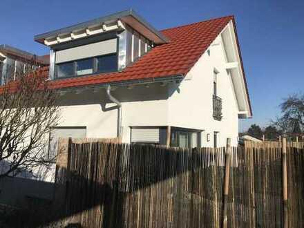 schönes Doppelhaus 128qm 4 Zimmer in Heitersheim von Privat