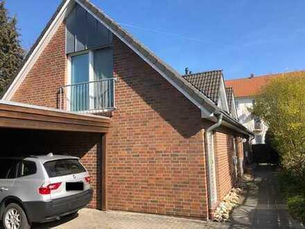 Sehr schöne, geräumige Doppelhaushälfte auf Hintergundstück in Oldenburg, Osternburg