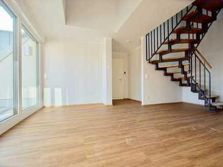 Neubau fertiggestellt und einzugsbereit! Exklusive Maisonette-Wohnung mit Loggia und 2 Bädern.